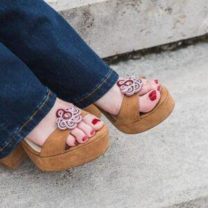 Greta. Adornos para zapatos.