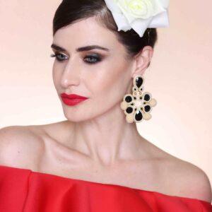 Pendientes flamenca: Cayetana beige y negro.
