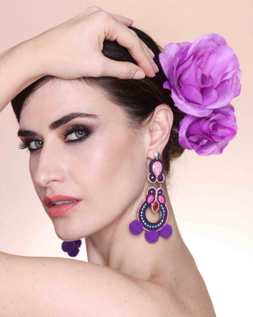 Moda flamenca: pendientes con carácter.